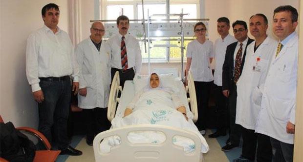 Zayıflama çayı içen hemşire karaciğer nakliyle kurtarılabildi