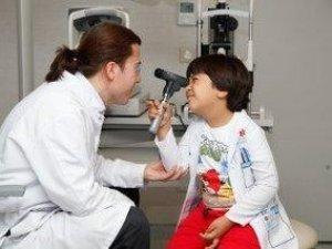Doktor babalar görevi çocuklarına devretti