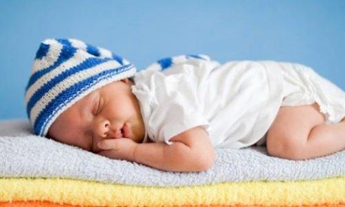 Sıcak yaz günlerinde bebek bakımı tüyoları