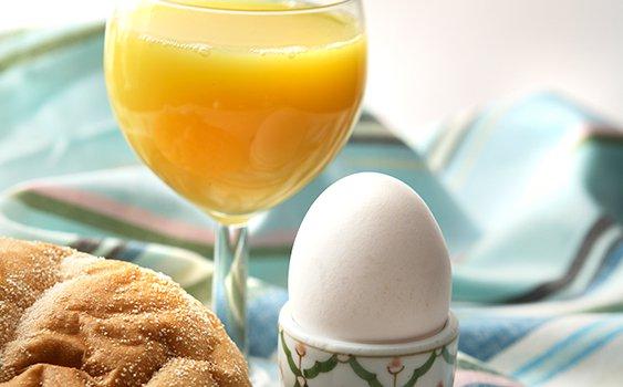 Yumurtayı, portakal suyu ile tüketin
