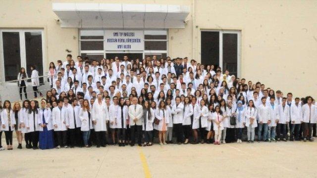 OMÜ'de 348 doktor adayı beyaz önlük giydi