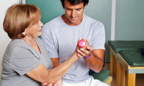 'İnme sonrası fizik tedavi ihmal edilmemeli'