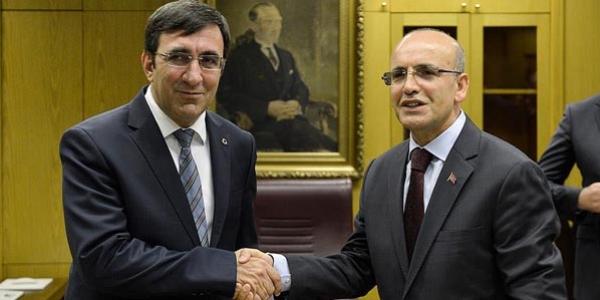 Mehmet Şimşek görevi Yılmaz'dan devraldı