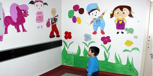 Çocuklar hastane fobisini çizgi film kahramanlarıyla yeniyor