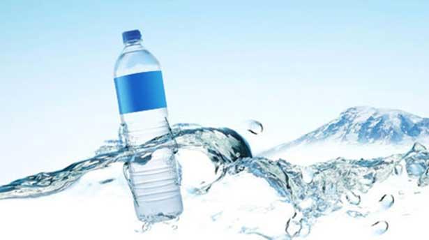 Türk profesör buldu, Amerika'da pet şişe su satışı yasakladı