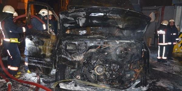 Ambulanstaki oksijen tüpü patladı, hemşire yaralandı