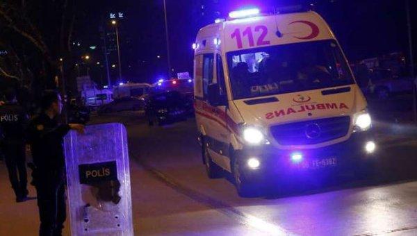 Yaralı gençler ambulansta hemşireyi taciz etti
