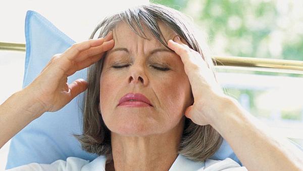 """Orta yaşa gelmeden menopoza hazırlanın"""