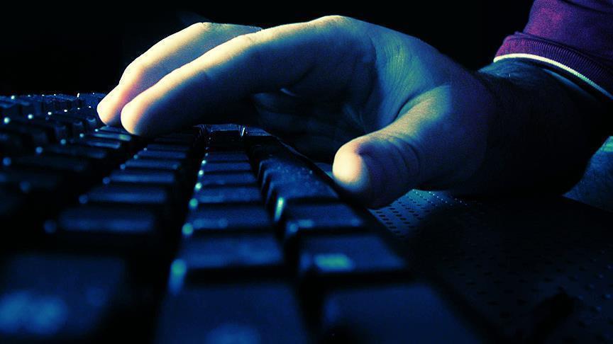 Aşırı internet kullanımı sağlık sorunlarına yol açıyor