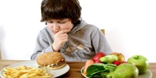 'Yeme bozukluğu ergenlik döneminde başlıyor'