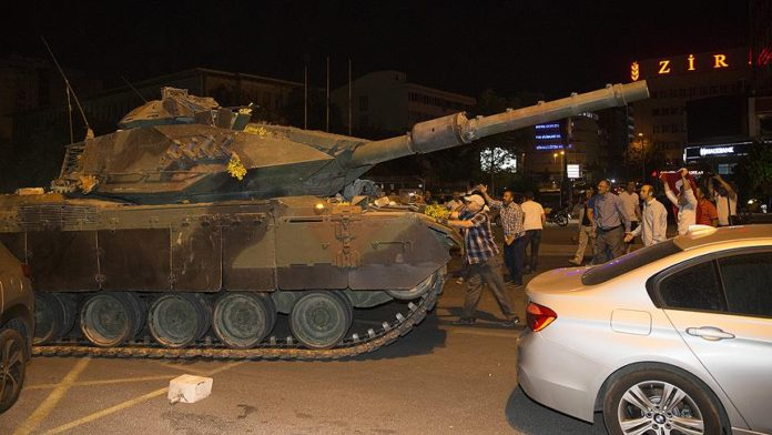 Hafif yaralı 15 Temmuz gazisine 13 bin TL tazminat