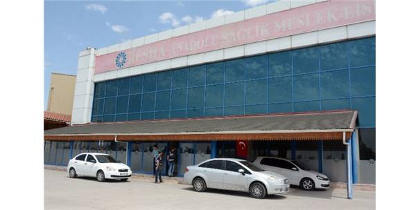 Aksaray'da özel bir sağlık lisesine FETÖ operasyonu 3 gözaltı