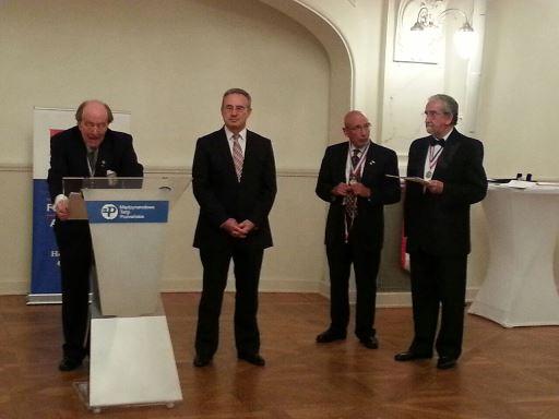 Prof. Dr. Taner Yücel'e Pıerre Fauchard Akademisi nişan ödülü verildi