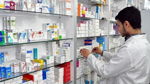 Türkiye'de yılda 2 milyar kutu ilaç tüketiliyor