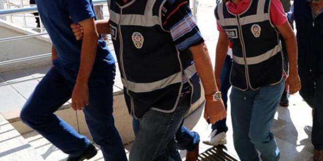 Yunanistan'a kaçma hazırlığındaki iki doktor tutuklandı