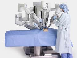 """""""Da Vinci"""" robotu ile boğaz ameliyatı!"""