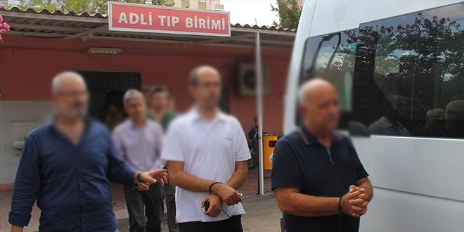 İzmir'de gözaltına alınan 3 sağlık personeli tutuklandı