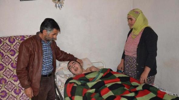 Oğlu felç olup, yatağa mahkum kalan babanın doktor tepkisi