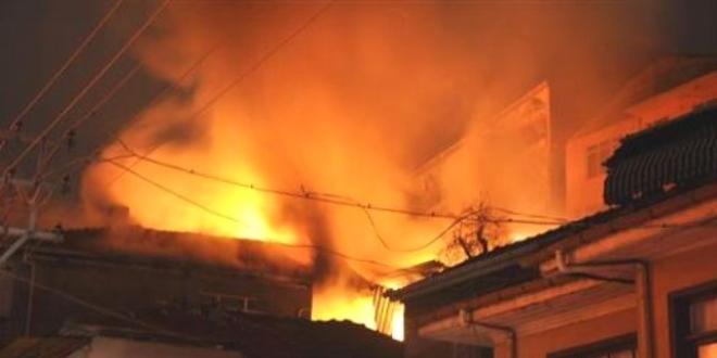 Karaman'da ev yangını: Baba ile 2 kızı öldü