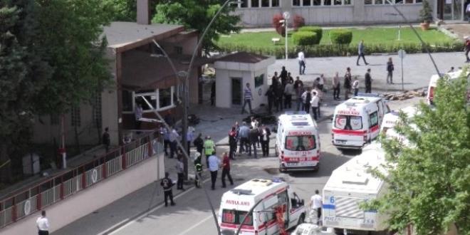 Gaziantep'te yaralı polis'in tedavisi sürüyor