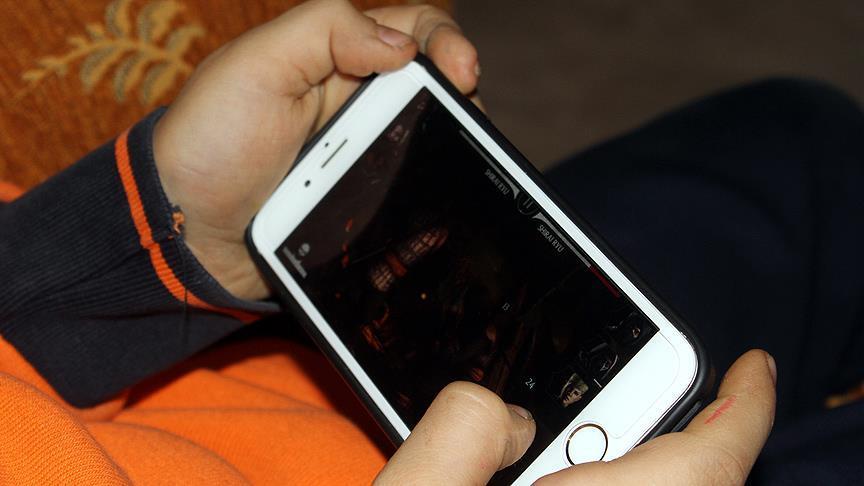 Akıllı cihazlar çocuklarda kamburluk ve asosyalliğe neden oluyor