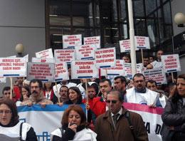 Sağlık çalışanlarından protesto