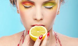 Mikroplarla tek başına savaşıyor: Limon