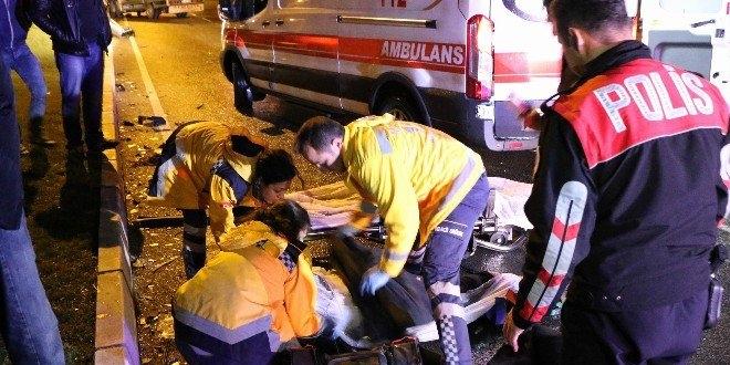 Balıkesir'de ambulans kaza yaptı: 1'i ağır 6 yaralı