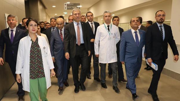 Sağlık Bakanı Demircan, Adana Şehir Hastanesinde incelemelerde bulundu
