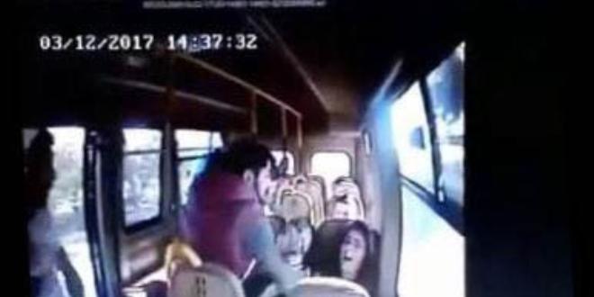 Üniversiteli kızı minibüsten kaçırdılar