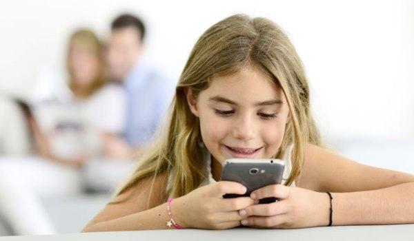 Çocukları bekleyen tek tehlike anonim mesajlaşma uygulaması Sarahah değil