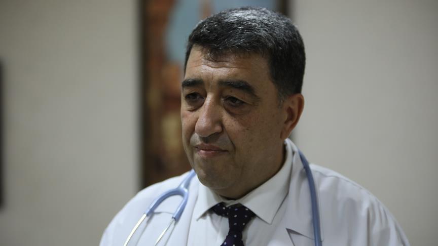 Fırıncılık ve terminal işçiliği yaparken tıp fakültesini bitirdi, 53 yaşında doktor oldu!