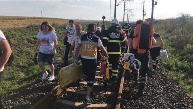 Tekirdağ'ın Çorlu ilçesinde yolcu treninin vagonu devrildi! Ölü ve yaralı sayısı belli oldu
