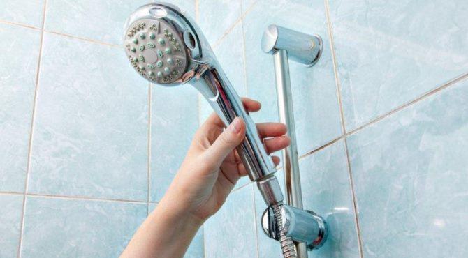Duş başlıklarında 'lejyoner' mikrobu tehlikesi