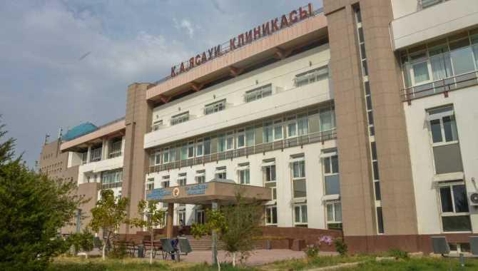 Türk-Kazak Üniversitesi Hastanesi yılda 2 bin ameliyat yapıyor