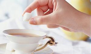 Çayı şekerle içenler dikkat