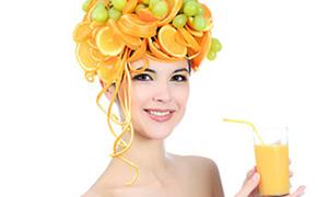 Yaz meyveleriyle gençlik kürü
