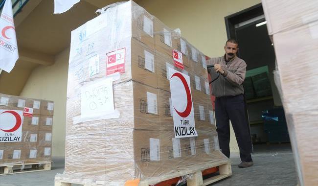 Türk Kızılayı 8,5 tonluk ilaç yardımı için Gazze'de