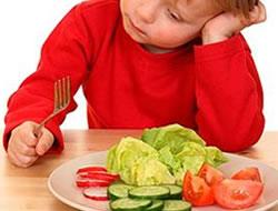 Çocuğun yemek yememe silahı...
