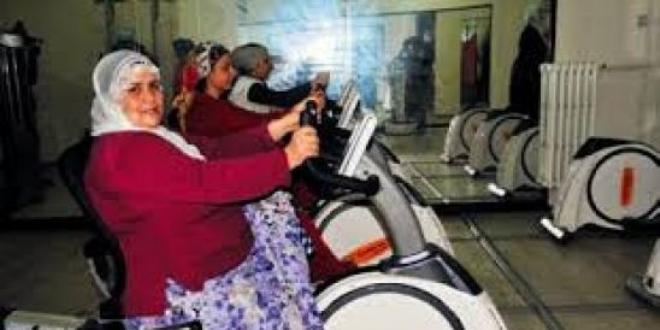 Köy kadınları sporla obeziteden korundu