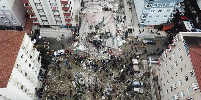Çöken binada iki kızıyla can veren babayla ilgili kahreden detay