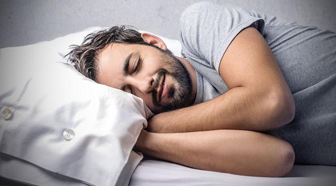 Yalnız 1 gece az uyumak bile bağışıklık sistemimizi etkiliyor