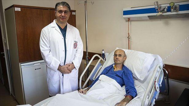 Sırp profesör Türkiye'de tıp literatürüne giren yöntemle sağlığına kavuştu