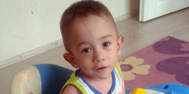 Kanepeden düşen minik Yaşar, hayatını kaybetti