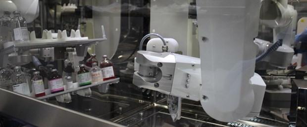 """Kanser ilaçlarını """"robot eczacılar"""" hazırlıyor"""