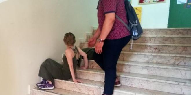Oy kullanmaya yetişemeyen kadın baygınlık geçirdi