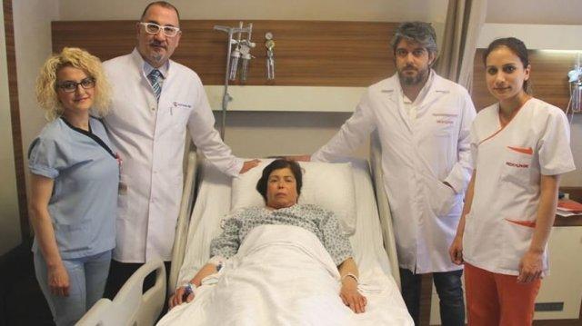 Tıp literatürüne giren ameliyat: Kalp toplardamarına kablo yerleştirdiler