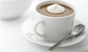 Şekerli içecekler tansiyonu yükseltiyor