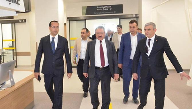 Bursa Şehir Hastanesi'nde hasta kabulü öncesi son hazırlıklar yapılıyor