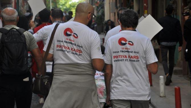 13 Ekim Dünya Tromboz Günü'nde pıhtıyı önlemek için yürüdüler